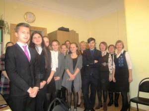 Petseri koolis õpilastega